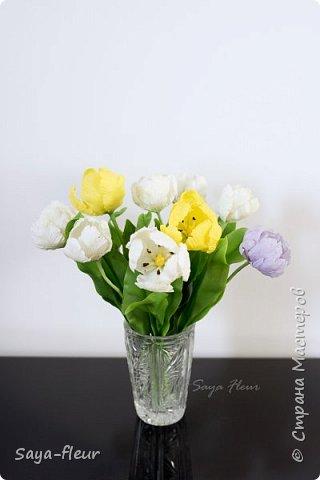 Здравствуйте, как всегда перед 8 марта популярными подарками становятся тюльпаны. В этом году сделала такие к 8 марта. Цветы из полимерной глины, высотой 32 см.  фото 5