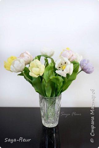 Здравствуйте, как всегда перед 8 марта популярными подарками становятся тюльпаны. В этом году сделала такие к 8 марта. Цветы из полимерной глины, высотой 32 см.  фото 8