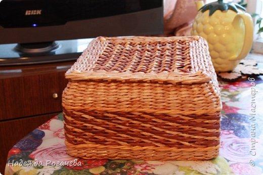 Хлебница и коробка. Хлебница овальной формы. Дно картон обои самоклеящиеся. У коробки дно тоже картонное с обоями. фото 11