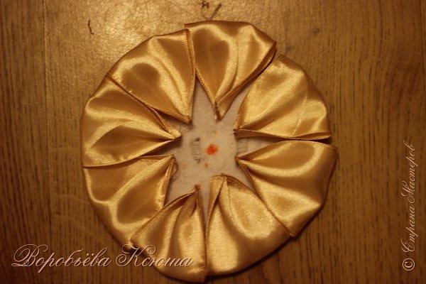Я хочу вам рассказать как я делала цветок который выкладывала уже ранее очень давно http://stranamasterov.ru/node/938391 , а МК так и не доводилось выложить. фото 14