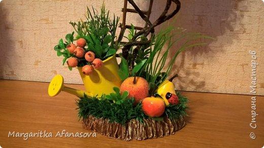 Решила попробовать  сделать деревце из фруктов. Вот что вышло! жаль что цвет все равно на фото не такой, фото сделаны при искусственном освещении фото 5
