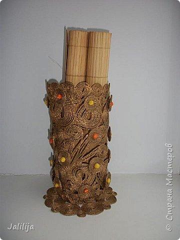 Уважаемые жители и гости Страны мастеров! Сегодня показываю ещё одну вазу из джутовой верёвки. Натолкнула на мысль стеклянная банка на кухонном столе, в которую убирались салфетки - циновки после трапезы. фото 7