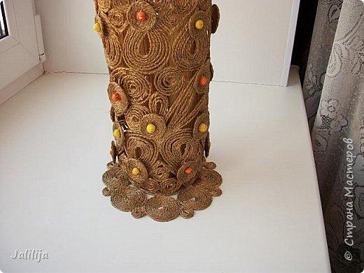 Уважаемые жители и гости Страны мастеров! Сегодня показываю ещё одну вазу из джутовой верёвки. Натолкнула на мысль стеклянная банка на кухонном столе, в которую убирались салфетки - циновки после трапезы. фото 8
