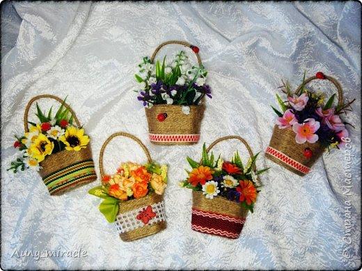 В подготовке к выставке появились еще вот такие варианты корзинок. Мой МК по их изготовлению здесь http://stranamasterov.ru/node/1003956 фото 1