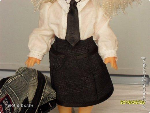 Всем привет, с вами снова я и мы опять на службе по спасению кукол! Знакомьтесь - это Октавия, она собралась в школу))) фото 14