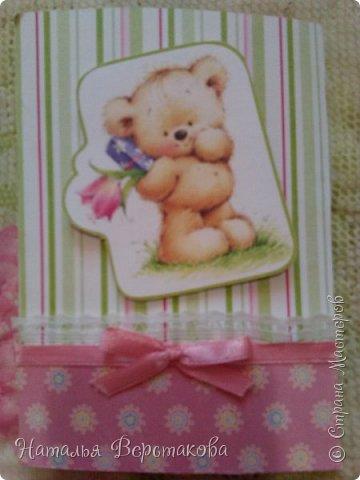 Я уже рассказывала, что моя старшая дочь очень любит делать открытки. У нас новая партия)))  Эта открытка мне и папе на новый год. фото 4