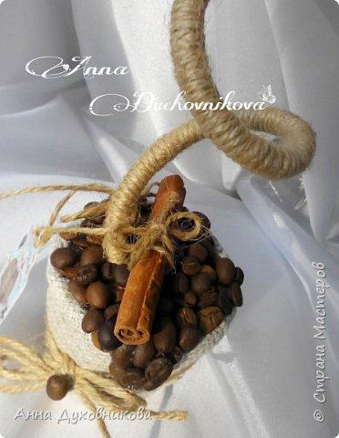 Всем привет. Сегодня я к вам с топиарием из сизаля с запахом кофе. Также использовала палочку корицы, бадьян и бичевку. фото 3
