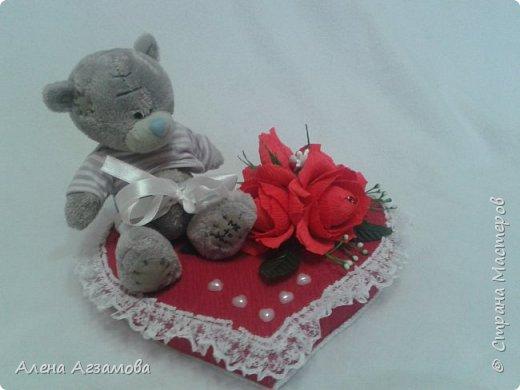 Сердечко с мишкой...конфетами рафаэлло и птичье молоко в обвертке love is фото 2