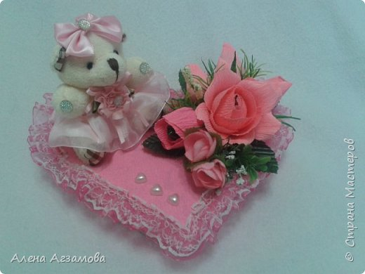 Сердечко с мишкой...конфетами рафаэлло и птичье молоко в обвертке love is фото 3