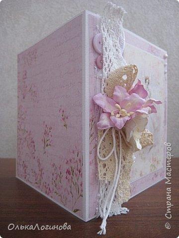 """Здравствуй страна!Продолжаем подготовку к 8 Марта!Открытки с балеринами:основа текстурированный кардсток,бумага для скрапбукинга Scrapberry's коллекция """"Ромео и Джульетта"""",цветы-лилии и магнолии,розы,кружево х/б двух видов,шитье,пуговички,х/б нить,полубусины.  фото 2"""