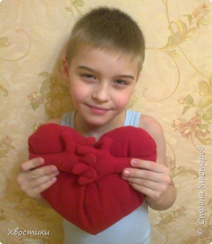 Вот такие сердечки-обнимашки сшила своему сыночку и племяшке на дни рождения: фото 2