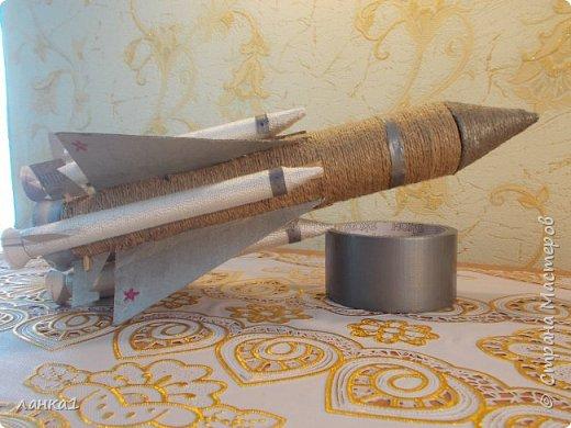 Сделала вот такие подарочки для моих мужчин.Домик  я показывала ранние, а теперь пушка и ракета. фото 7