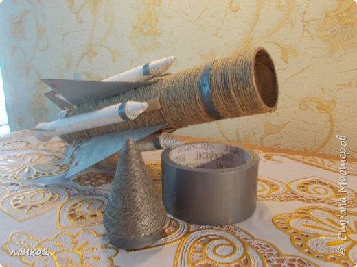 Сделала вот такие подарочки для моих мужчин.Домик  я показывала ранние, а теперь пушка и ракета. фото 8