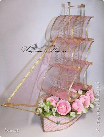 """Заказали что-нибудь на свадьбу. 10 лет, а это """"Розовая"""".   Предложила несколько вариантов - выбрали кораблик. фото 2"""