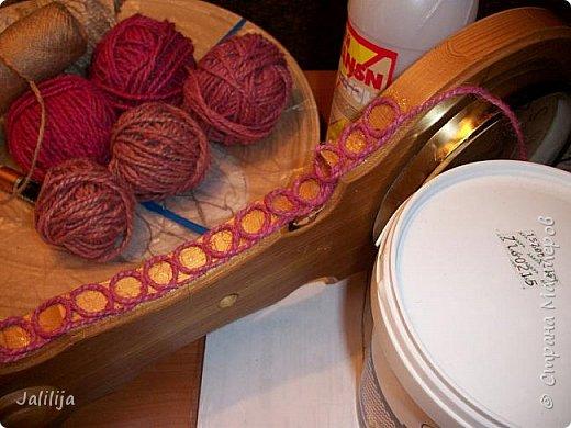 Уважаемые жители и гости Страны мастеров! Эти часы декорированы джутовой верёвкой, которую я предварительно покрасила. Хочу поделиться с вами, как это делается. фото 11