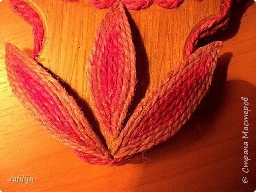 Уважаемые жители и гости Страны мастеров! Эти часы декорированы джутовой верёвкой, которую я предварительно покрасила. Хочу поделиться с вами, как это делается. фото 18