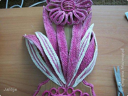 Уважаемые жители и гости Страны мастеров! Эти часы декорированы джутовой верёвкой, которую я предварительно покрасила. Хочу поделиться с вами, как это делается. фото 23