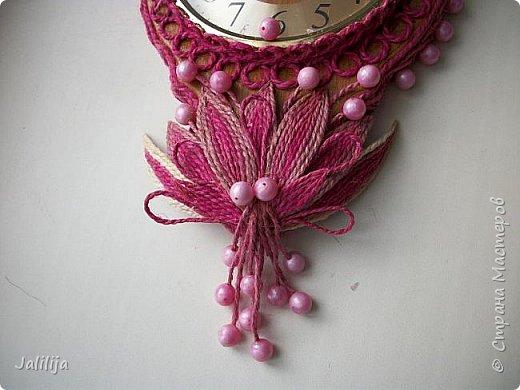 Уважаемые жители и гости Страны мастеров! Эти часы декорированы джутовой верёвкой, которую я предварительно покрасила. Хочу поделиться с вами, как это делается. фото 27
