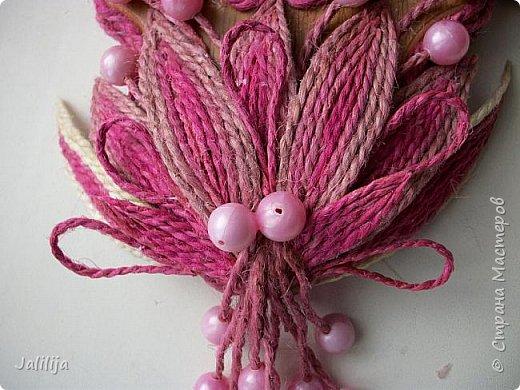 Уважаемые жители и гости Страны мастеров! Эти часы декорированы джутовой верёвкой, которую я предварительно покрасила. Хочу поделиться с вами, как это делается. фото 28