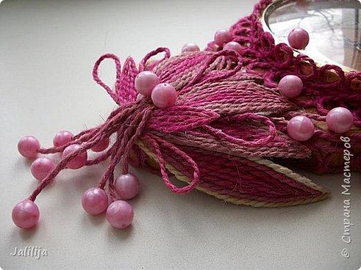 Уважаемые жители и гости Страны мастеров! Эти часы декорированы джутовой верёвкой, которую я предварительно покрасила. Хочу поделиться с вами, как это делается. фото 29