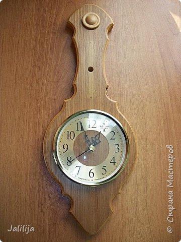 Уважаемые жители и гости Страны мастеров! Эти часы декорированы джутовой верёвкой, которую я предварительно покрасила. Хочу поделиться с вами, как это делается. фото 3