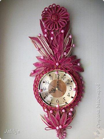 Уважаемые жители и гости Страны мастеров! Эти часы декорированы джутовой верёвкой, которую я предварительно покрасила. Хочу поделиться с вами, как это делается. фото 40