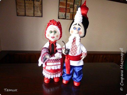 Пара украинцев Валюшка и Борис. Никого не оставляют равнодушными! Высокие Валюшка 50 см., а Борюнчик 72 см. с шапкой.  фото 4