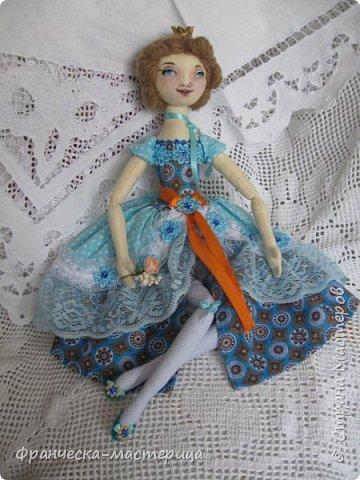"""Добрый день, Страна Мастеров и Мастериц!!! Представляю вам мои новиночки. Эти куклы в заказе и отправятся к новым хозяевам после выходных. Первая из заказанных кукол """" Принцесса Анна"""" ростом в 53 см, сшита из хлопка, набивка - синтепух, волосы из полушерстяной пряжи уложены в статичную причёску.  фото 1"""