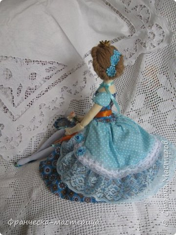 """Добрый день, Страна Мастеров и Мастериц!!! Представляю вам мои новиночки. Эти куклы в заказе и отправятся к новым хозяевам после выходных. Первая из заказанных кукол """" Принцесса Анна"""" ростом в 53 см, сшита из хлопка, набивка - синтепух, волосы из полушерстяной пряжи уложены в статичную причёску.  фото 2"""