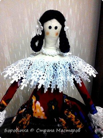 Всем доброго времени суток! Рада похвастаться подарочками  от милой Танечки Калининой! Чудесная куколка тильда, красивая улиточка, много интересных салфеточек и на память магнитик из далекой страны ! И конечно вкусняшка - прекрасный шоколад!  Спасибо большое , Танечка!  Теперь и у меня есть твоя прекрасная девочка, назову ее Весна. фото 7