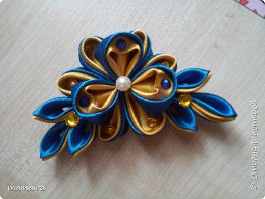 Моя первая розочка-брошка, ну ооочень скромная)))  фото 2