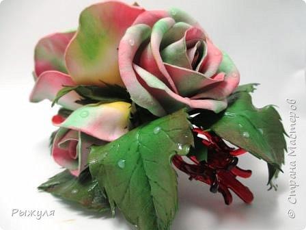 А теперь хочу Вам показать цветы из тонкого Иранского фоамирана Ободок с разноцветными розочками на заказ фото 7