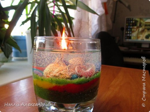 Сделала в подарок гелевые свечи. Жаль, что фото при дневном свете. фото 3
