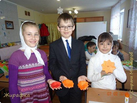 Эти панно сделала Горбунова Настя, 15 лет. Пятицветковое для конкурса, а состоящее из трёх маков останется на стенде. фото 4
