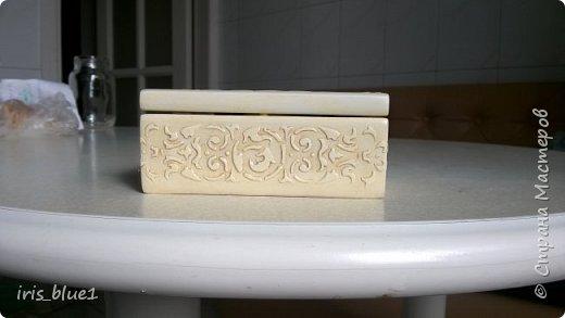 Шкатулка из натурального дерева (бук), выполненная в технике имитации резьбы по слоновой кости фото 3