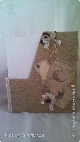 Вот такой наборчик сделала себе на работу. Использовала разные баночки, картон, а для декора ткань, кружево, мешковину, шпагат и кожу. фото 2