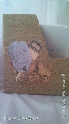 Вот такой наборчик сделала себе на работу. Использовала разные баночки, картон, а для декора ткань, кружево, мешковину, шпагат и кожу. фото 6