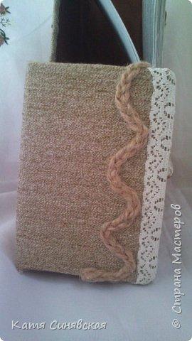 Вот такой наборчик сделала себе на работу. Использовала разные баночки, картон, а для декора ткань, кружево, мешковину, шпагат и кожу. фото 7