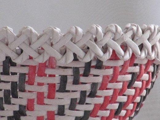 Всем привет!  Спустя год, я снова вышиваю лентами! Мною любимую технику решила применить на плетеной шкатулке. фото 32