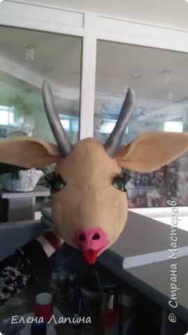 К празднику Маслинцы понадобилась маска козы. И вот что получилось. На бескрайних просторах интернета нашла такой мастер класс http://stavsneg.ru/novosti/kak-sdelat-masku-kozy-iz-porolona.html/  фото 1