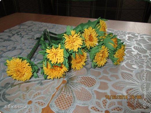 """В детском саду проходит выставка цветов. Вот такие """"солнышки"""" получились у нас с дочкой благодаря замечательным МК замечательной мастерицы Олечки Сыротюк (Сафинка). Олечка, спасибо огромное!!!! фото 4"""