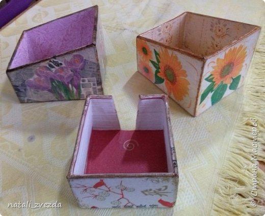 Очередные подарочки. Короба для специй и салфетница. Выполнена из картона. Декупаж. Внутри и донышко оклеино обоями (бросовый материал). фото 2