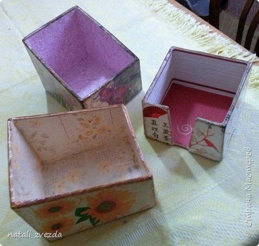 Очередные подарочки. Короба для специй и салфетница. Выполнена из картона. Декупаж. Внутри и донышко оклеино обоями (бросовый материал). фото 4