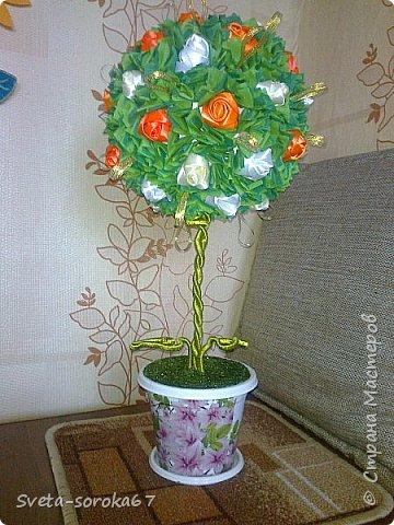 Доброе  время суток,  Стран Мастеров!  Пора усиленно готовиться  к празднику!  Запасаться  цветами и сувенирами,  хорошо, что у нас  можно  совместить   и   то  и  другое.                                                    фото 8