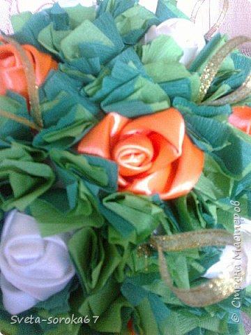 Доброе  время суток,  Стран Мастеров!  Пора усиленно готовиться  к празднику!  Запасаться  цветами и сувенирами,  хорошо, что у нас  можно  совместить   и   то  и  другое.                                                    фото 12