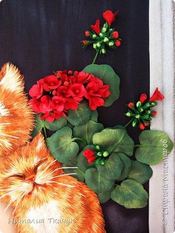 """Здравствуйте дорогие  друзья, жители замечательной Страны Мастеров!!! Как приятно приближение весны!!! И так хочется весенней радостью поделиться со всеми. Поздравляю всех вас с этим прекрасным временем года!!! Пусть начало весны принесет вам умиление. Ваша жизнь наполнится безграничным счастьем и спокойствием, светлой и красивой любовью. Крепкого здоровья на долгие годы!!! Пусть вам легко работается, хорошо живется, задуманные вами мечты сбываются. Желаю МИРА, достатка и прекрасного настроения на каждый день!!!       Вот и весенняя картина для коллекции """"Времена года"""".  Что за весна без солнечных дней и прекрасного настроения? Что за март месяц без кошек?-))) Творчество Татьяны Дорониной запало в душу, смотря на ее работы не возможно быть равнодушным.  Формат картины: 40 х 40 см. Выполнена в любимой технике квиллинг с добавлением элементов в технике бумагопластика и вырезание. Фон - бумага для пастели, тонировала сухими мелками для пастели. Использовала бумажные полоски - 1,5 мм.  Приятного просмотра!!!  фото 7"""