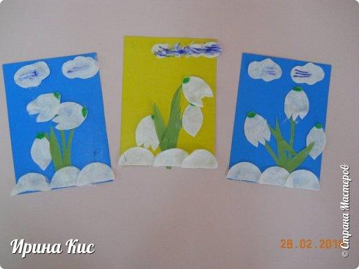 Такие вот у нас цветы. Облака попробовали раскрасить фломастерами для разнообразия:) фото 1