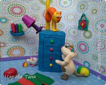 """Здравствуйте!!!! Эту пластилиновую историю я лепила для выставки """"Моя мама кудесница"""" в детский сад. Основной сюжет взяла из книги Рони Орена. Ну а детали - моя фантазия. фото 4"""