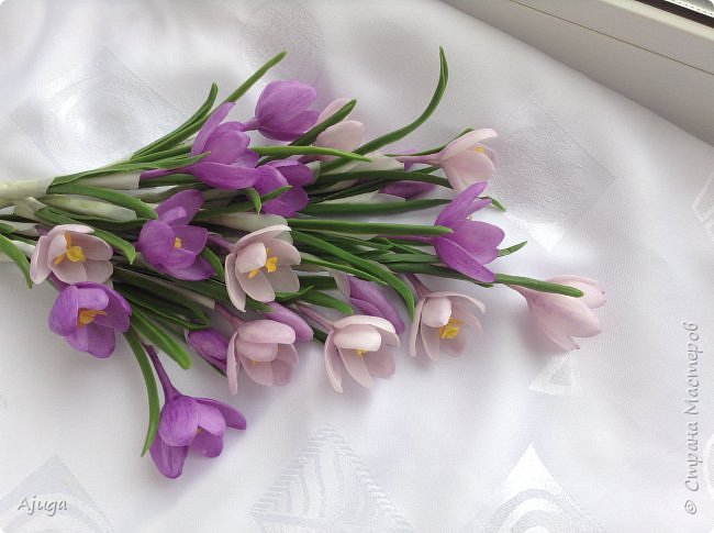 Крокусы к первому дню весны!!Холодный фарфор. Ручная работа. фото 6