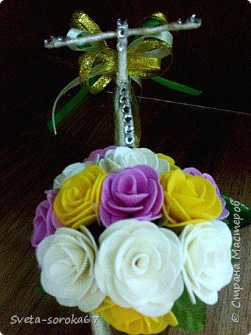Доброе  время суток,  Стран Мастеров!  Пора усиленно готовиться  к празднику!  Запасаться  цветами и сувенирами,  хорошо, что у нас  можно  совместить   и   то  и  другое.                                                    фото 7